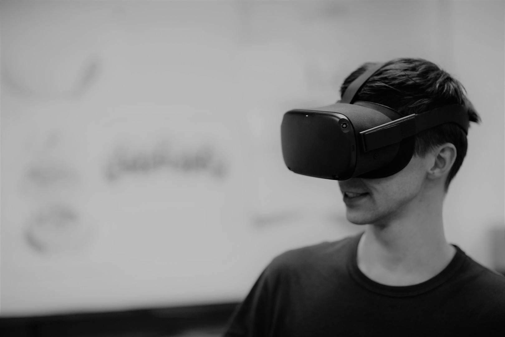 VR Virtual Reality B2B marketing